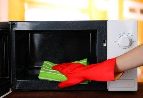 Как ухаживать за микроволновой печью